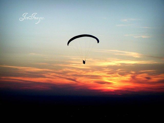 parachute__by_palomajros-d35f7xh